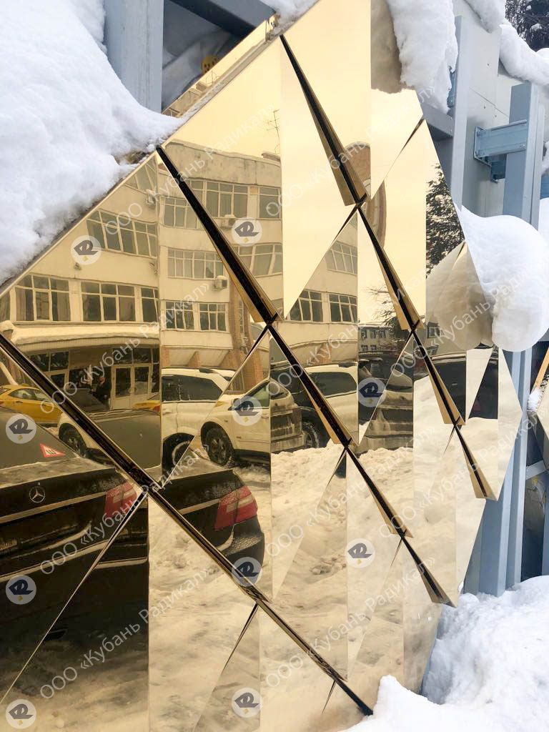 панели для облицовки офисных зданий под золото